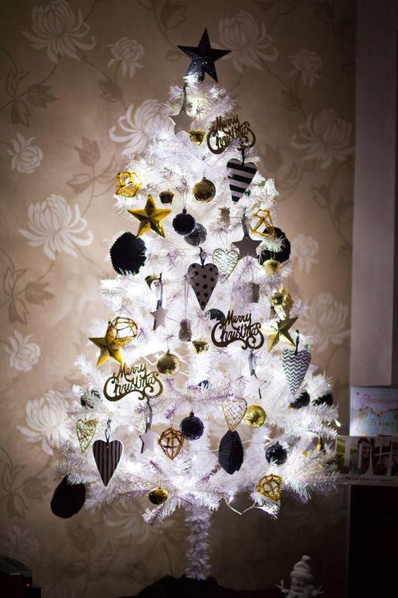 Árboles de Navidad Blancos con detalles en Dorado
