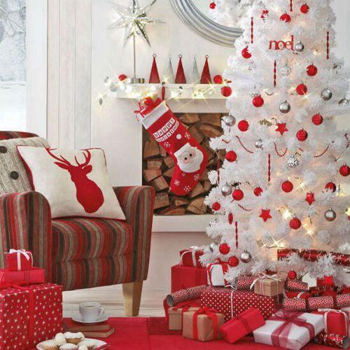 Árboles de Navidad Blancos con detalles enRojo y Plata