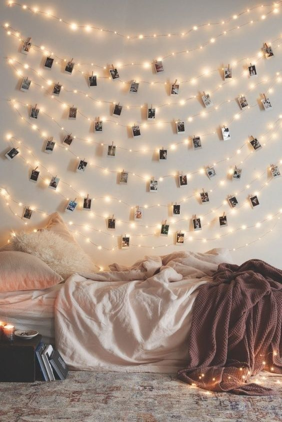 ideas para decorar la pared con fotos familiares (6)