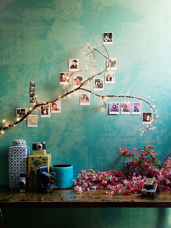 ideas para decorar la pared con fotos familiares (7)