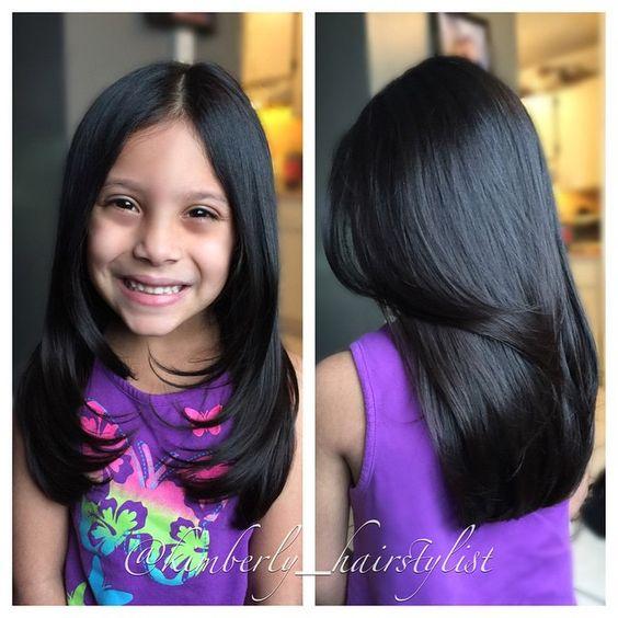 Corte de cabello en capas para niña