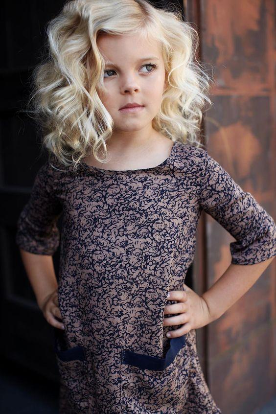 Cortes de pelo de niña en cabello rizado