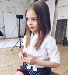 Cortes de pelo de niña en cabello lacio
