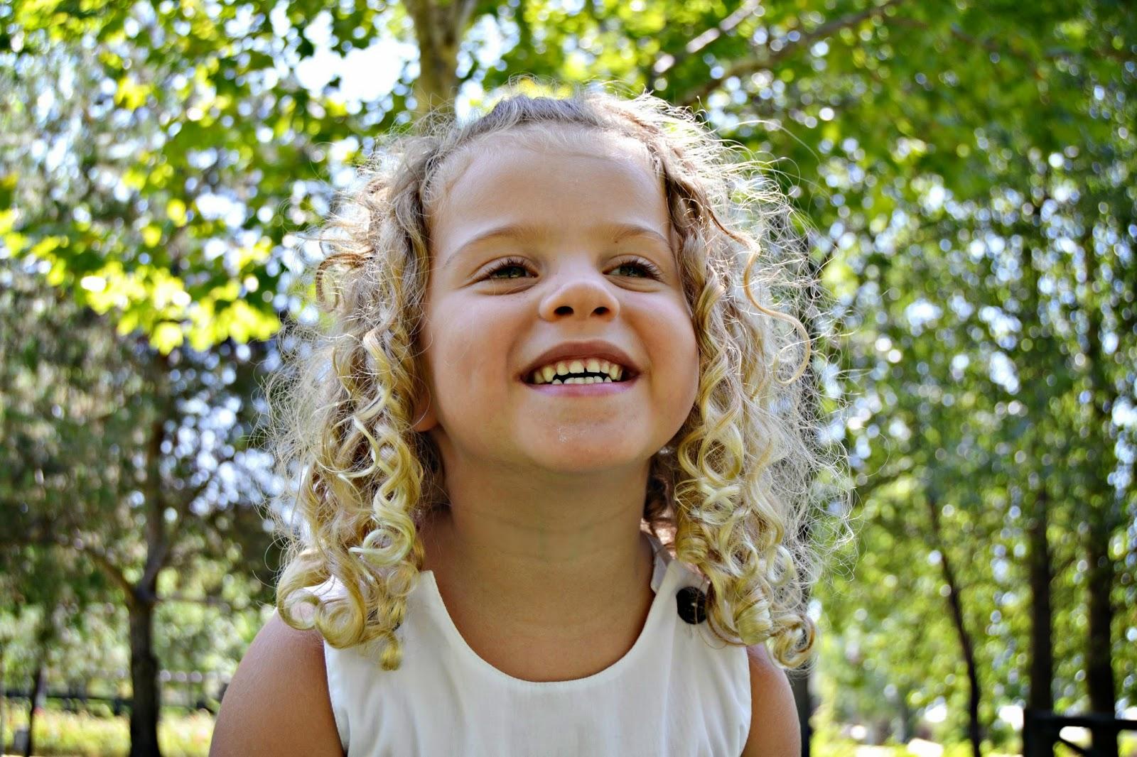 Cortes de pelo rizado para niñas