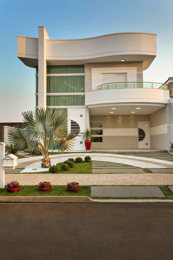 Casas modernas 2018 120 im genes de exteriores e interiores for Fotos de jardines de casas modernas