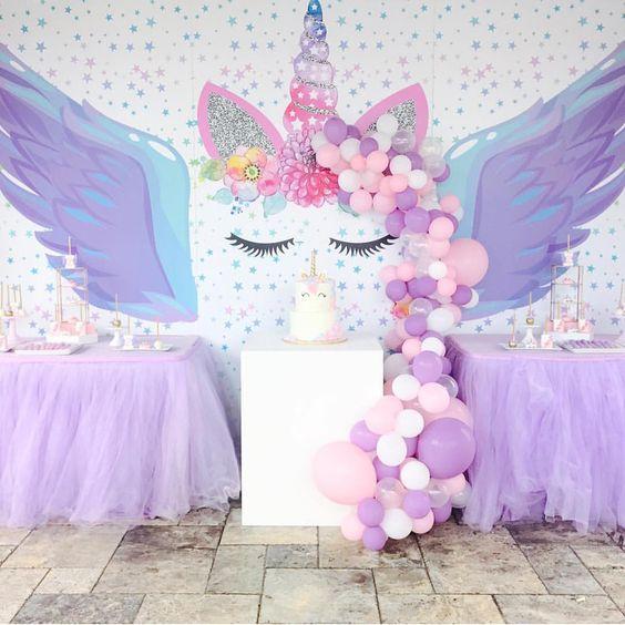 Decoracion de mesa principal de unicornio