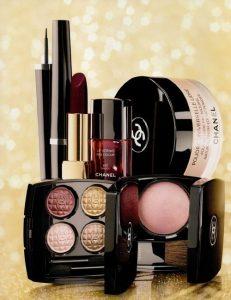 lista de maquillaje basicos para una mujer