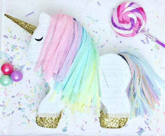 Piñatas para fiesta de unicornio