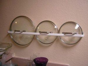 ¿Cómo colocar las tapas de las ollas?