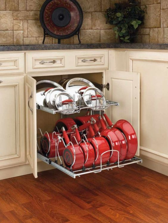 como organizar las ollas en la cocina (5)