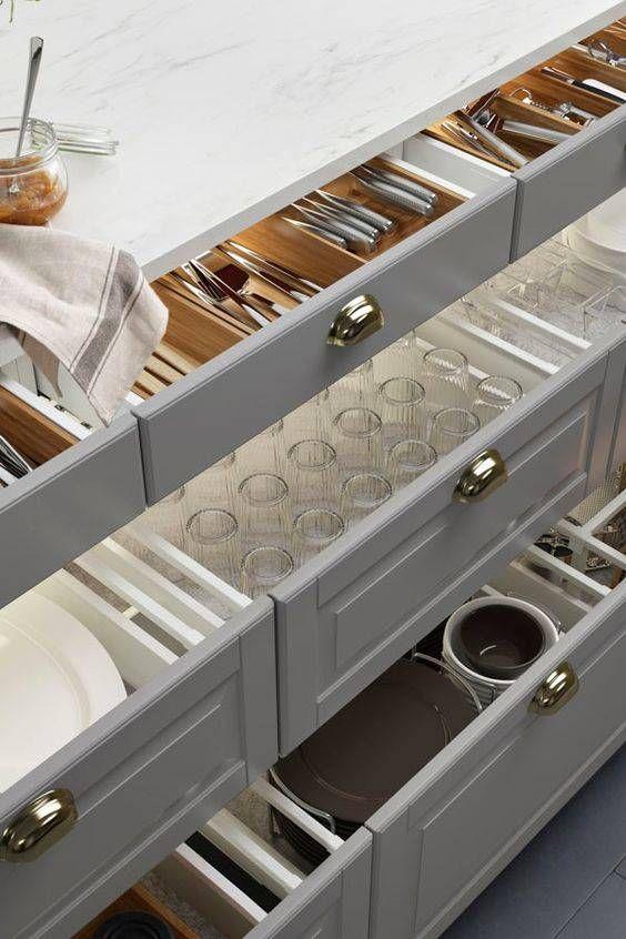 como organizar los vasos en la cocina (6)