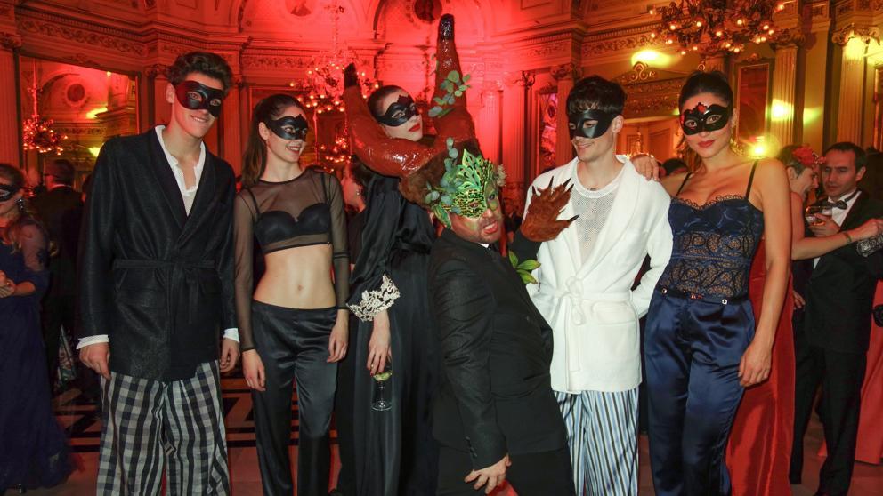 Fiesta de mascaras para mujeres