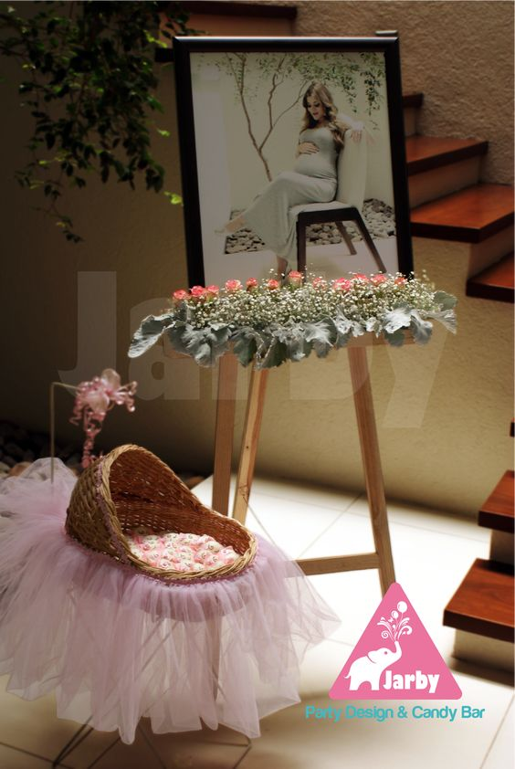 como decorar la entrada a un baby shower 2