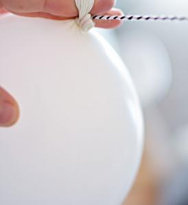 como hacer guirnaldas de globos modernos (2)