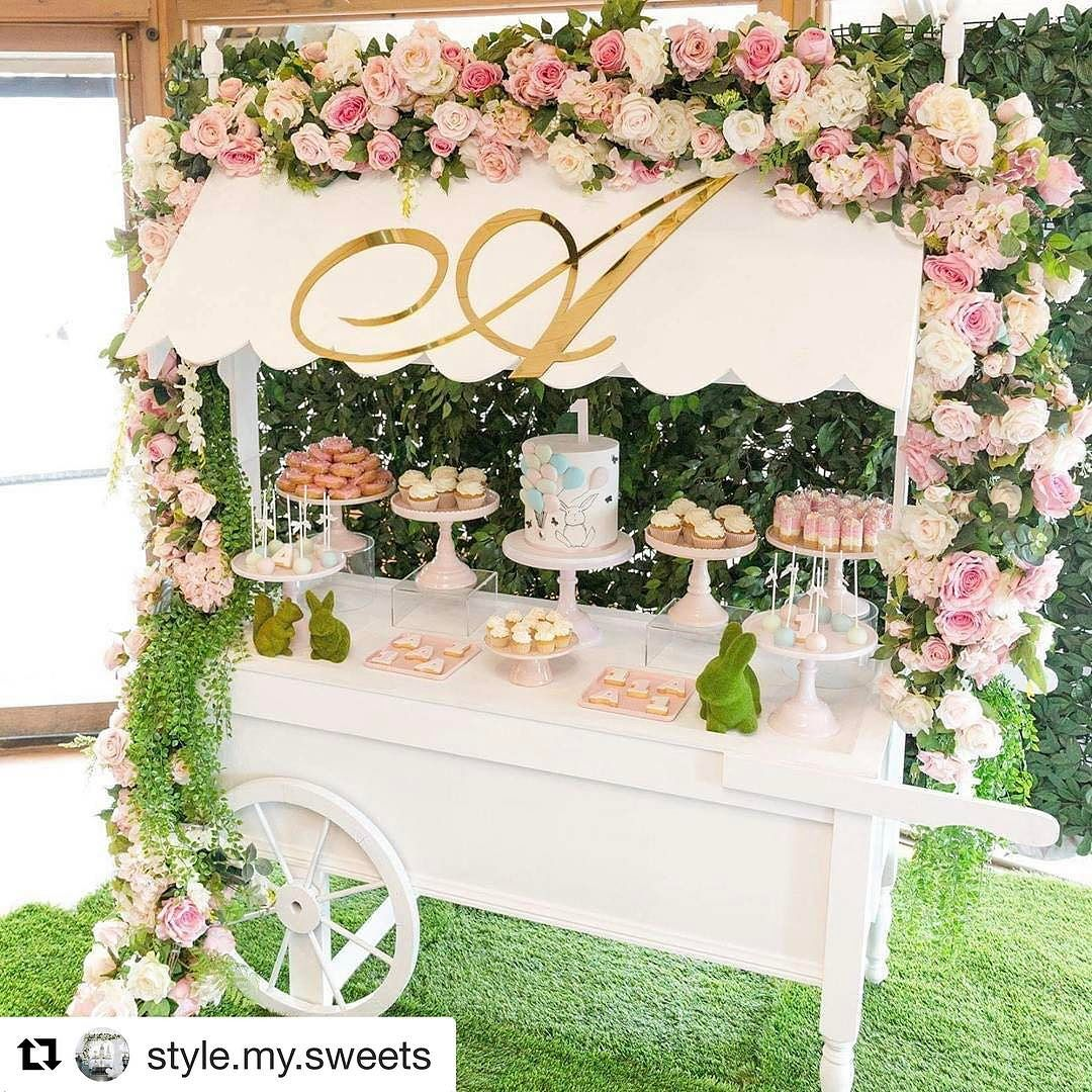 decoracion de carretas como mesa principal para fiestas