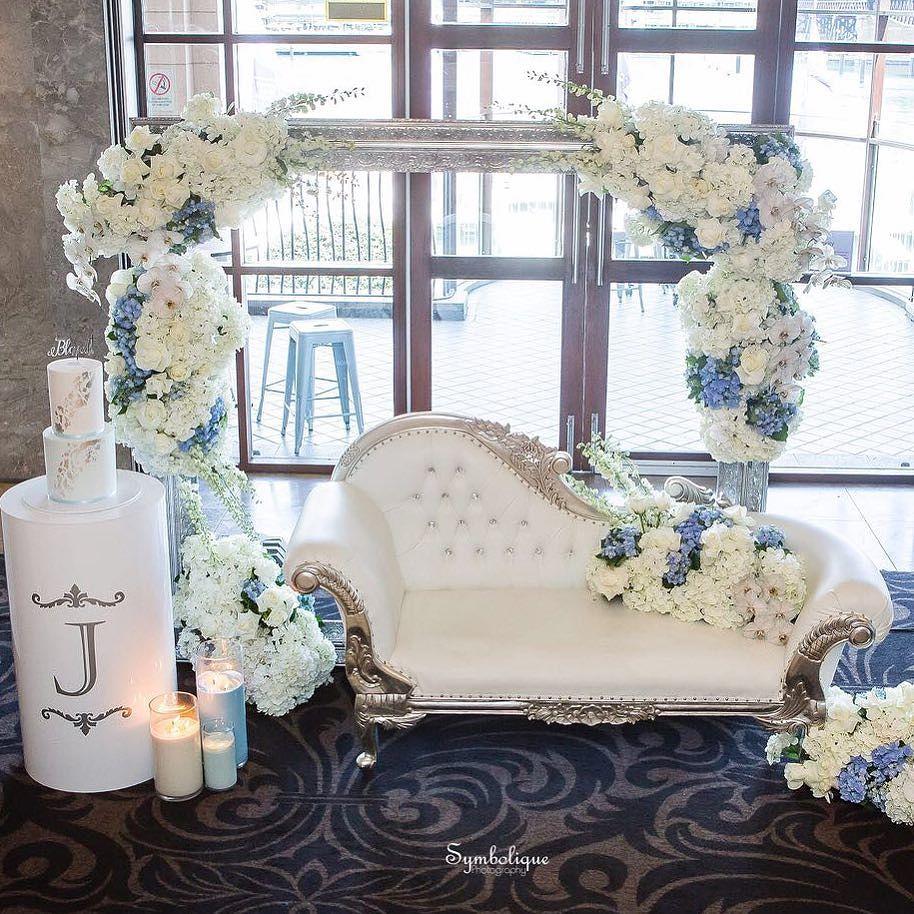 decoracion de eventos con sofa capitonado 2018 3