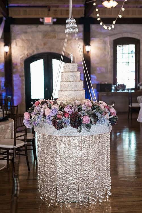 decoracion de pastel con columpios con base de herreria 3