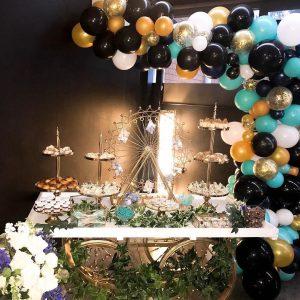 decoracion fiesta guirnalda con globos dorados 2018