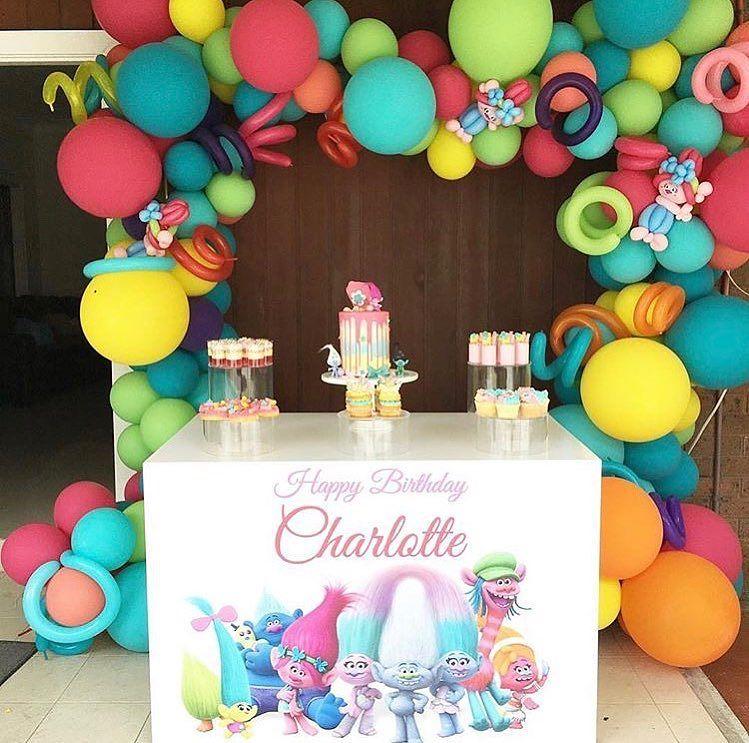 ejemplos de guirnaldas con globos modernas
