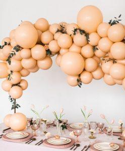 guirnaldas con globos gigantes tono mate 4