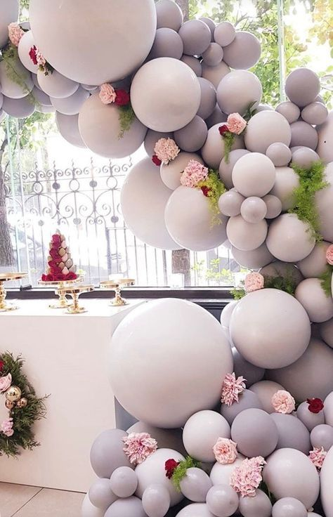 guirnaldas con globos gigantes tono mate