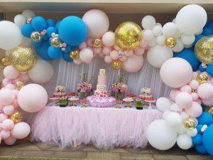 guirnaldas con globos para fiesta de nina
