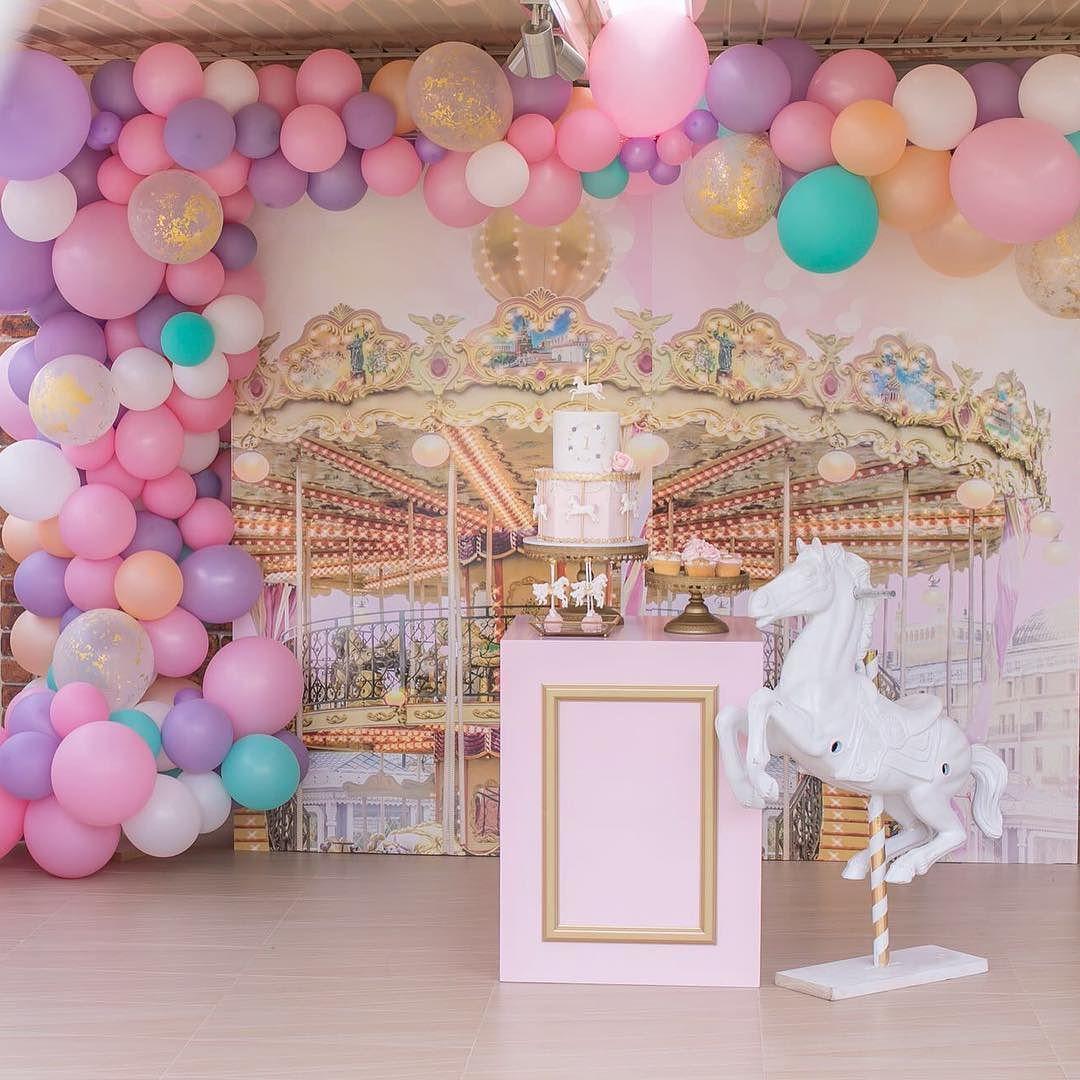 guirnaldas con globos para fiesta de unicornio