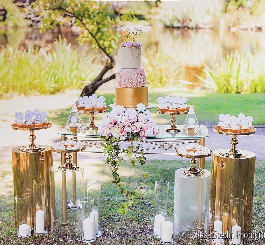 ideas para decorar fiestas con mesa de acrilico (11)