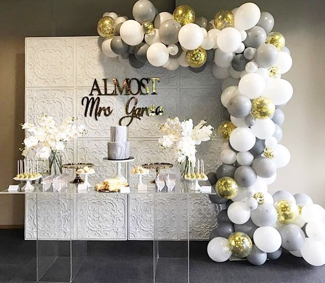 ideas para decorar fiestas con mesa de acrilico (2)