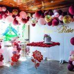 ideas para decorar fiestas con mesa de acrilico (5)