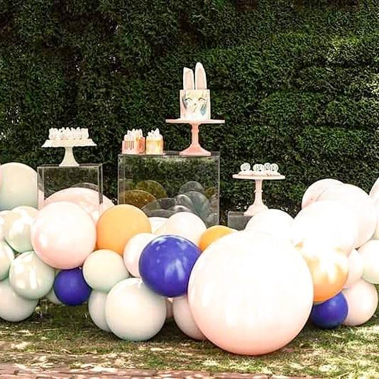 ideas para decorar fiestas con mesa de acrilico (8)