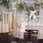 ideas para decorar fiestas con mesa de acrilico (9)