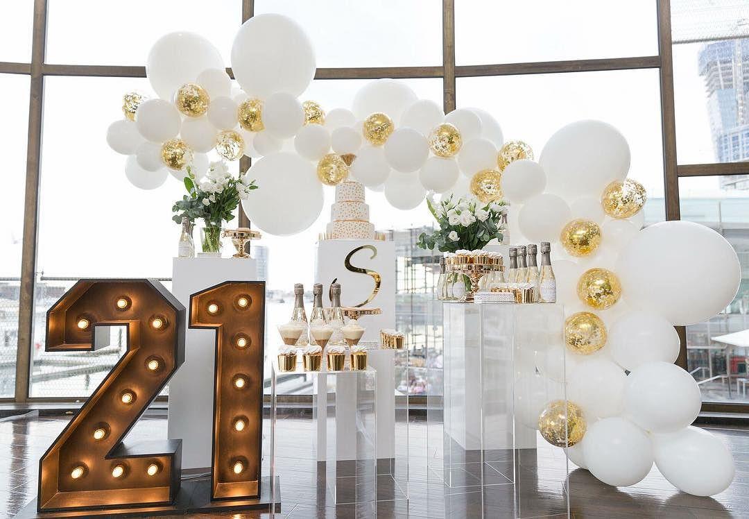 numero con luz led para una fiesta de 21 años 2019