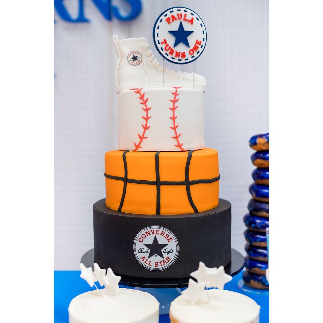 pastel de cumpleanos para fiesta de deporte