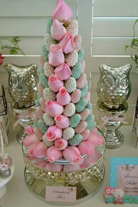 torres de fresas para bodas (4)