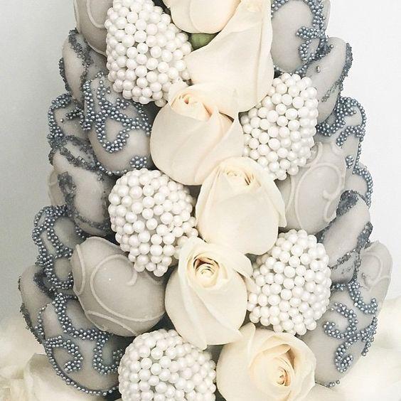 torres de fresas para bodas (9)
