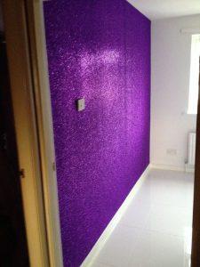 paredes con colores brillantes