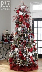 arbol de navidad rojo y plateado
