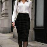 look de invierno con falda para oficina