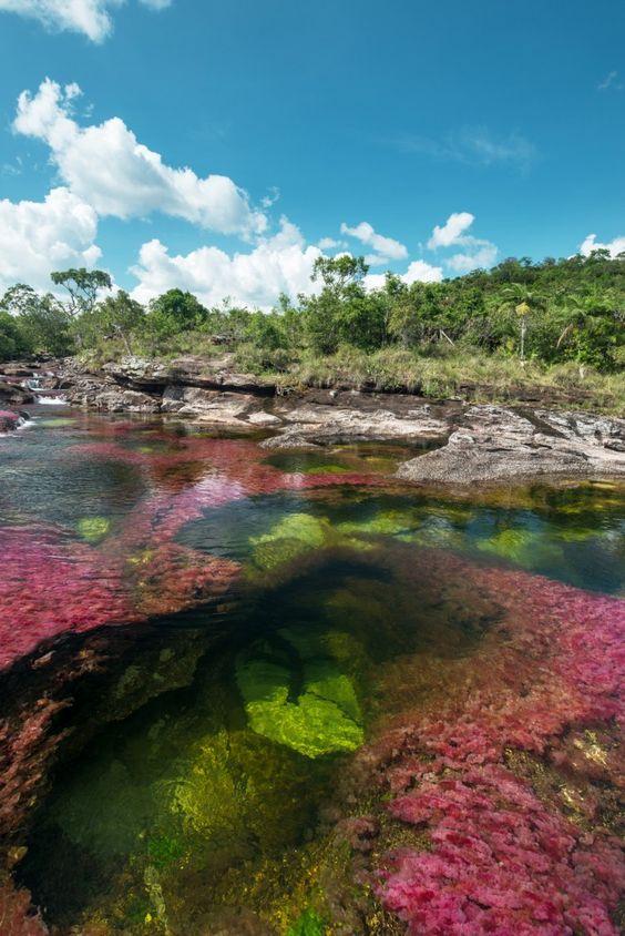 rio de colores en colombia
