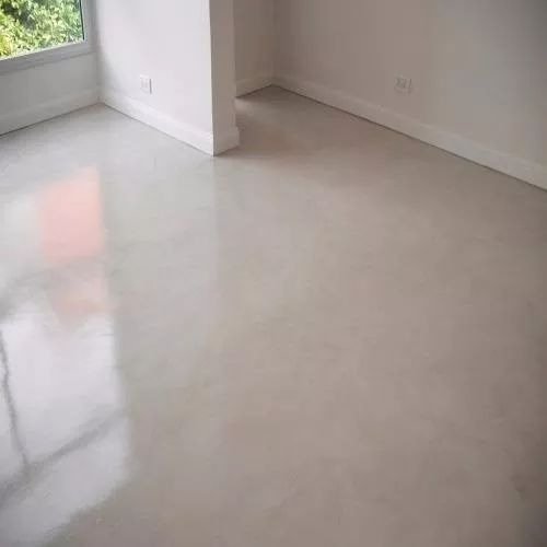 pisos de cemento pulido color blanco