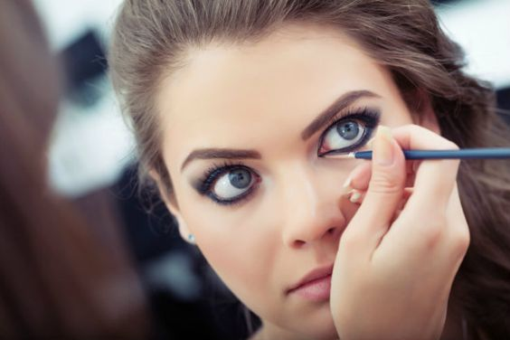 Como delinear los ojos