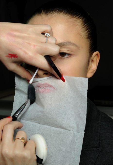 Como sellar un maquillaje