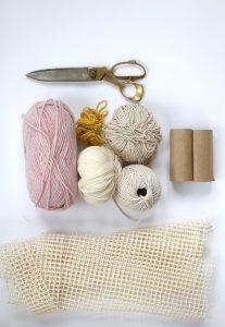 Materiales de curso para hacer tapetes de pompones