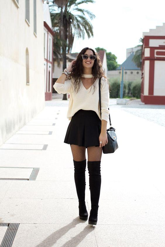 Outfits con botas largas y falda