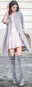 Outfits con botas largas y vestido