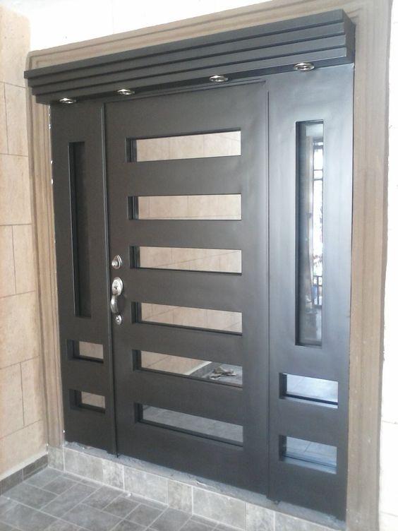Puertas principales de aluminio clásicas