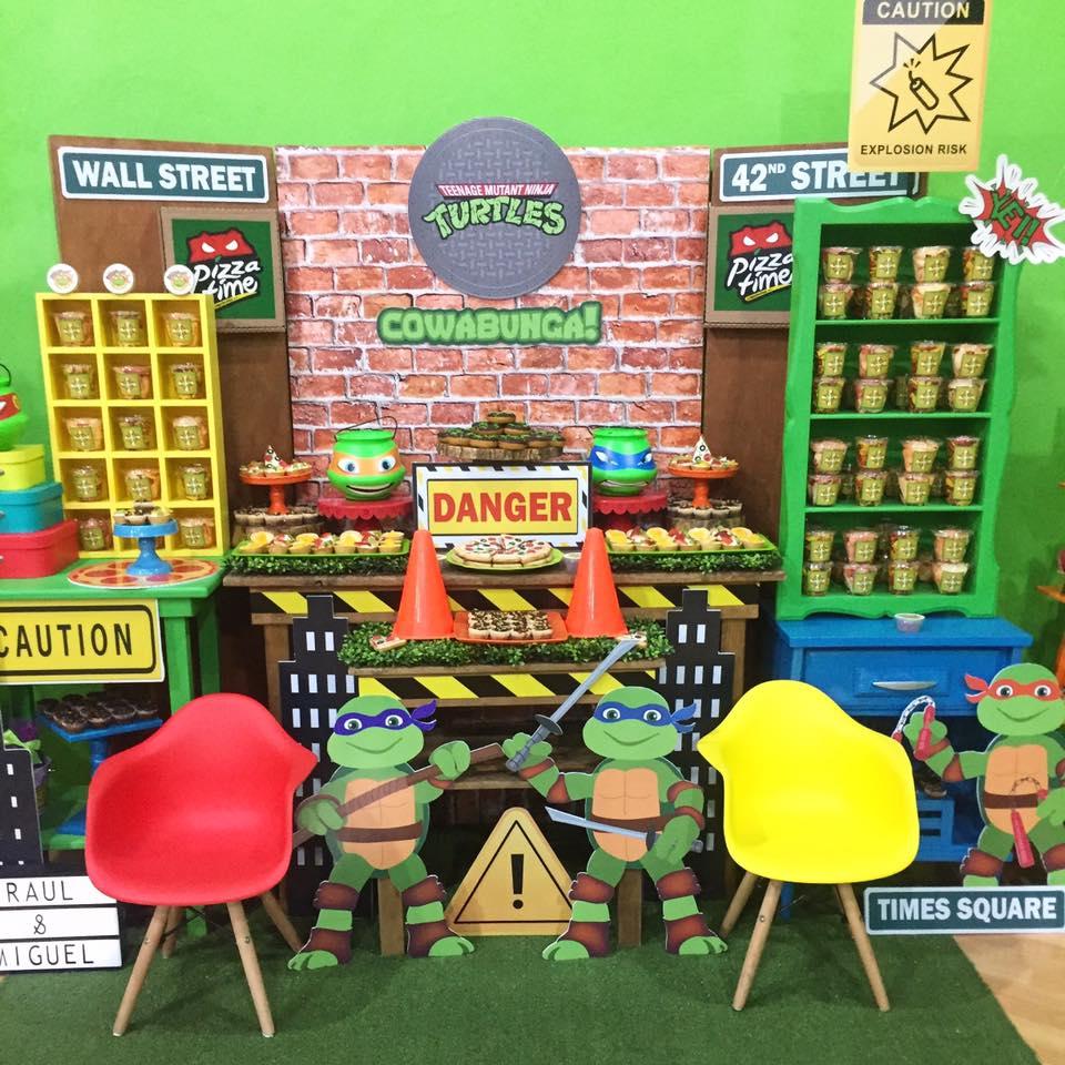 Decoración de mesa de dulces para fiesta infantil