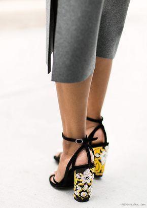 zapatillas de tacon cuadrado negras