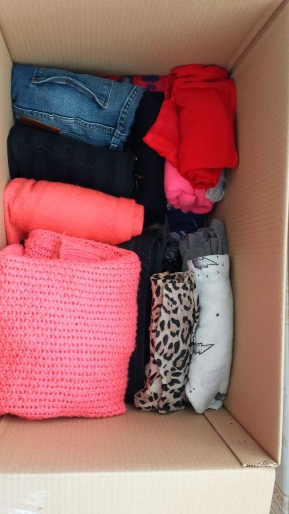 Tips para organizar la ropa para una mudanza